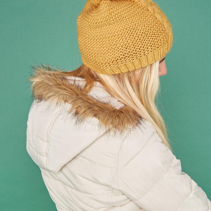 Bonnet maille métallisée avec torsades mixte jaune moutarde
