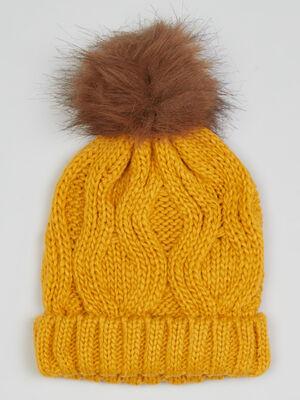 Bonnet maille torsadee a pompon jaune moutarde fille
