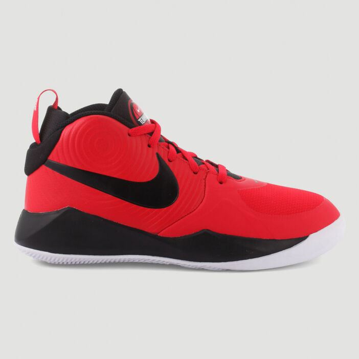 Baskets Nike TEAM HUSTLE garçon rouge