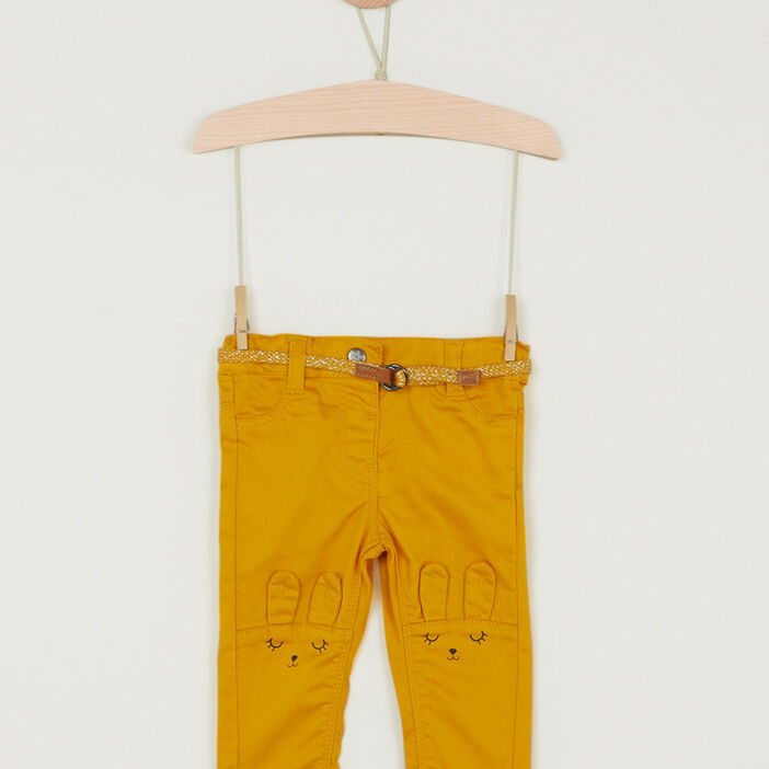 Pantalon coupe slim broderies lapin fille jaune