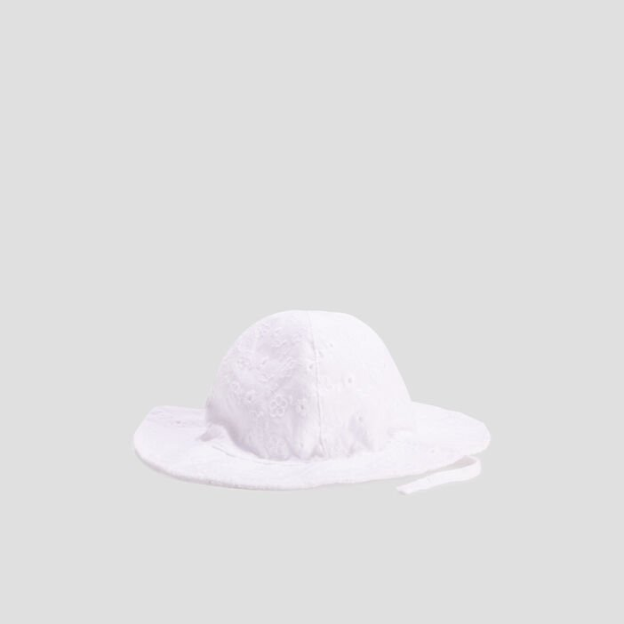 Chapeau à broderie anglaise  blanc