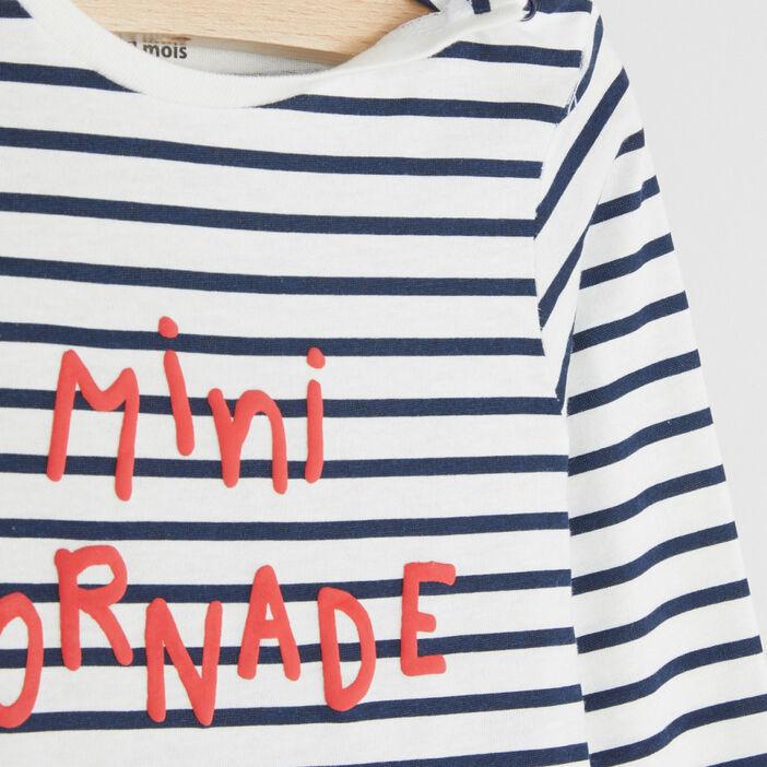 T-shirt marinière message placé devant garçon gris